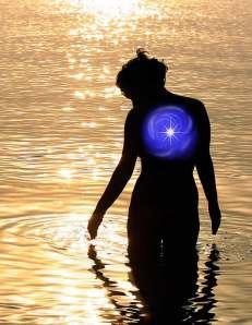 silhouette_woman_ocean